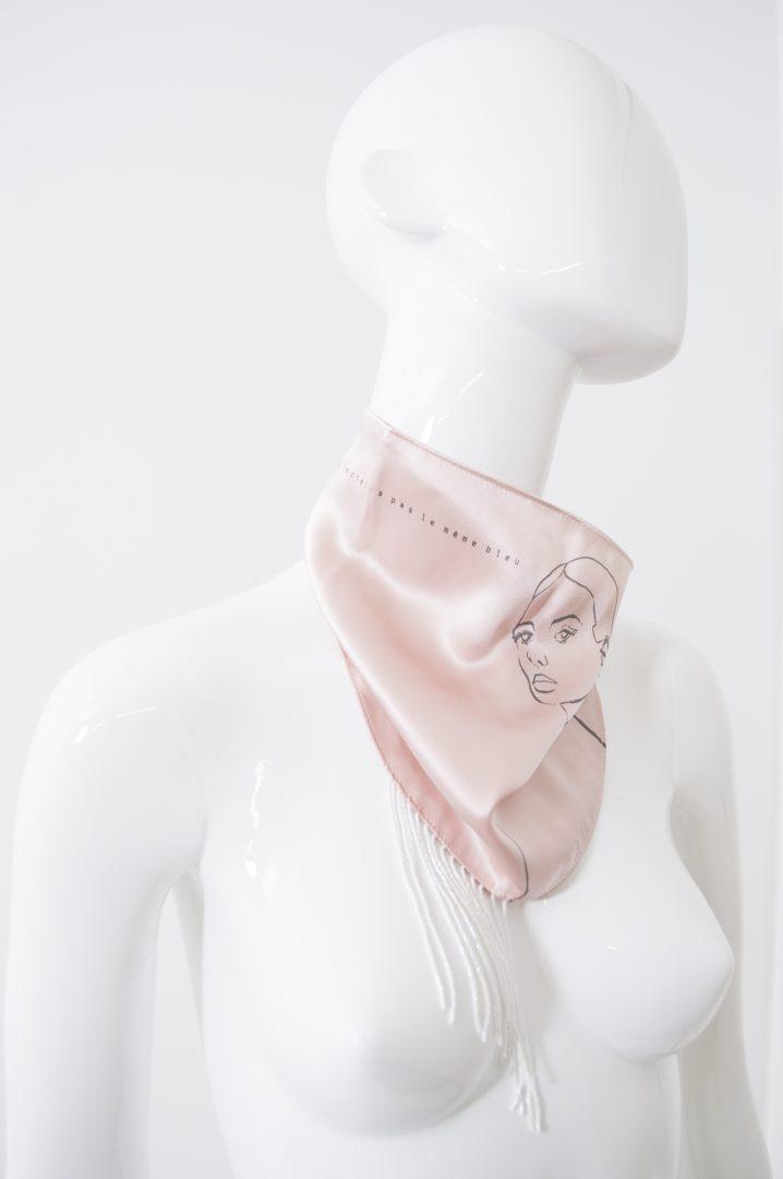 Foulard soie rose à franges