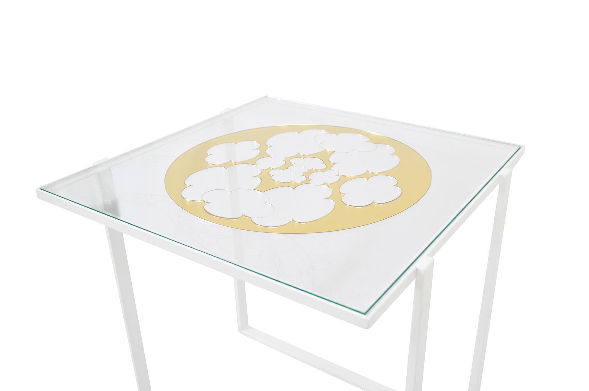 Petite table Au delà 1