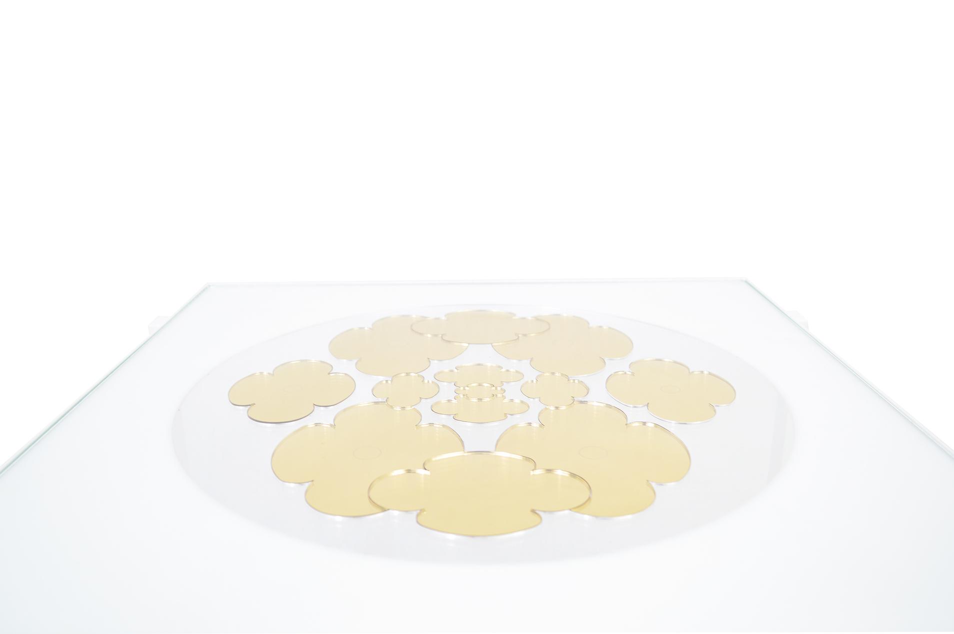 Petite table Silence doré