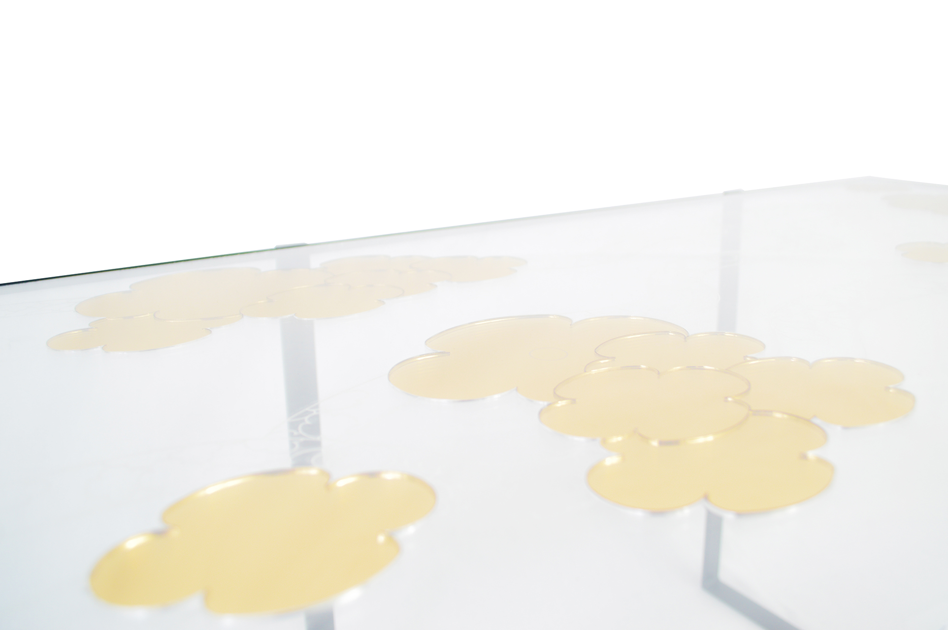 Table Découper les nuages zoom